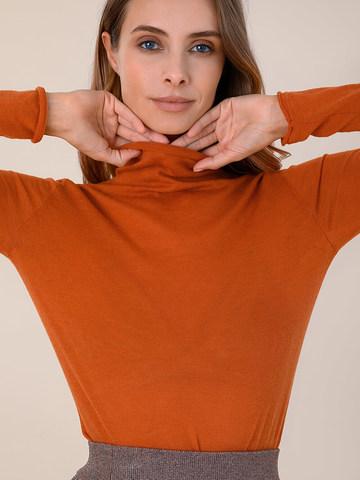 Женская водолазка оранжевого цвета из 100% шерсти - фото 3