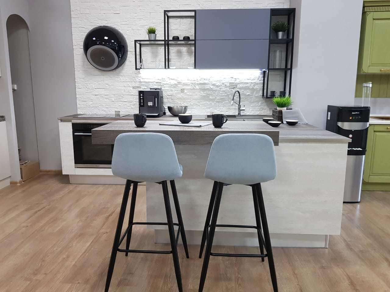 Барные стулья ESF 350B голубой/черный