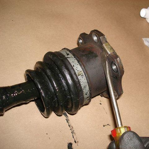 Замена внутреннего пыльника ШРУС Toyota Hilux