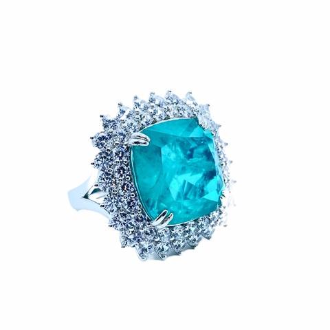 89421  - Кольцо из серебра с  кварцем цвета параиба с двойным рядом цирконов