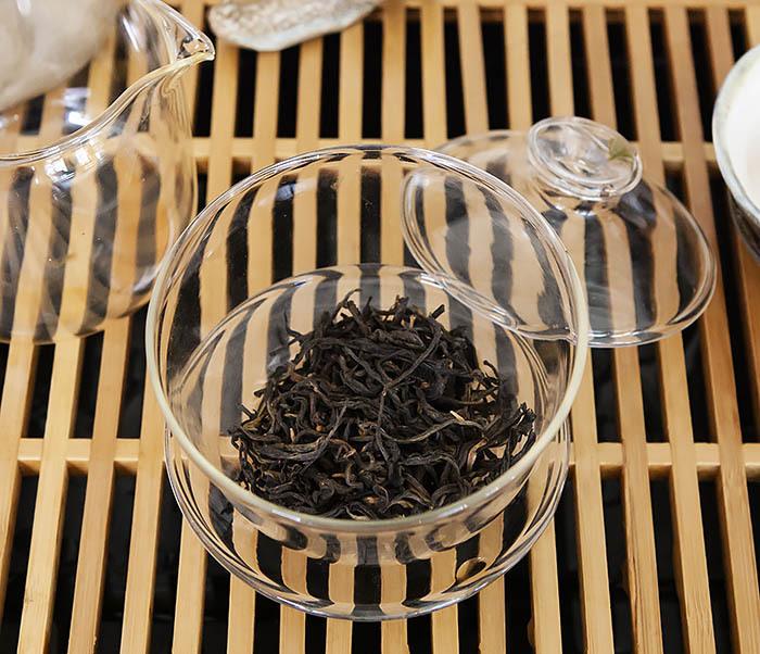 TEA-CH109 Красный чай «Золотой Пух из Дяньси» (Цзинь Хао Дянь Хун, 40-50% почек, 50 гр) фото 06