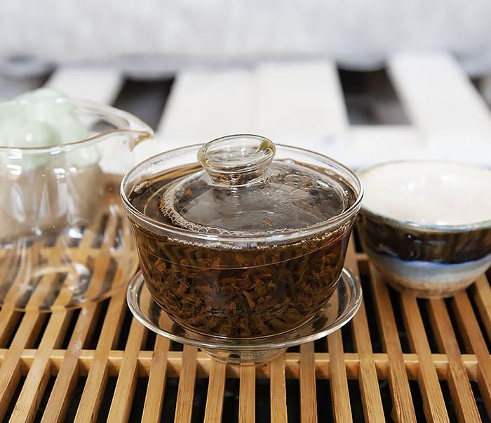 TEA-CH109 Красный чай «Золотой Пух из Дяньси» (Цзинь Хао Дянь Хун, 40-50% почек, 50 гр) фото 08