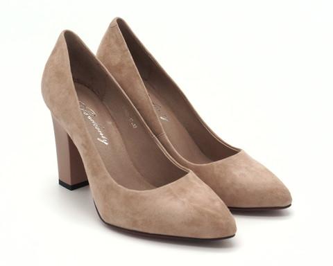 Пудровые туфли из велюра на устойчивом каблуке