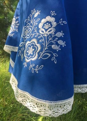 Скатерть льняная синяя овальная с кружевом и вышивкой 150 х 310 см