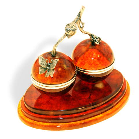 Шкатулка-сувенир из янтаря «Вишенки»