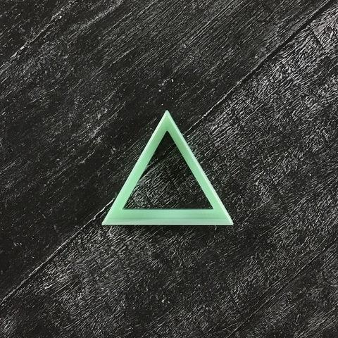 Фигурная рамочка №60 треугольник