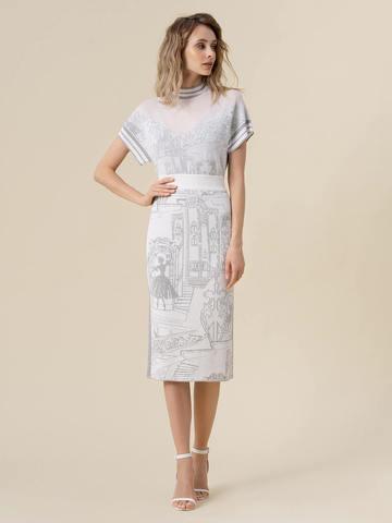 Женская футболка молочного цвета  с принтом и контрастными вставками - фото 3