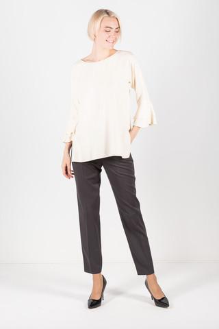 Фото белая блуза с разрезами и расклешенными рукавами - Блуза Г645-387 (1)