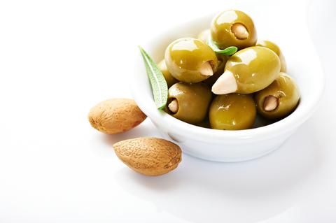 Зеленые оливки фаршированные миндалем ILIDA 1 кг.
