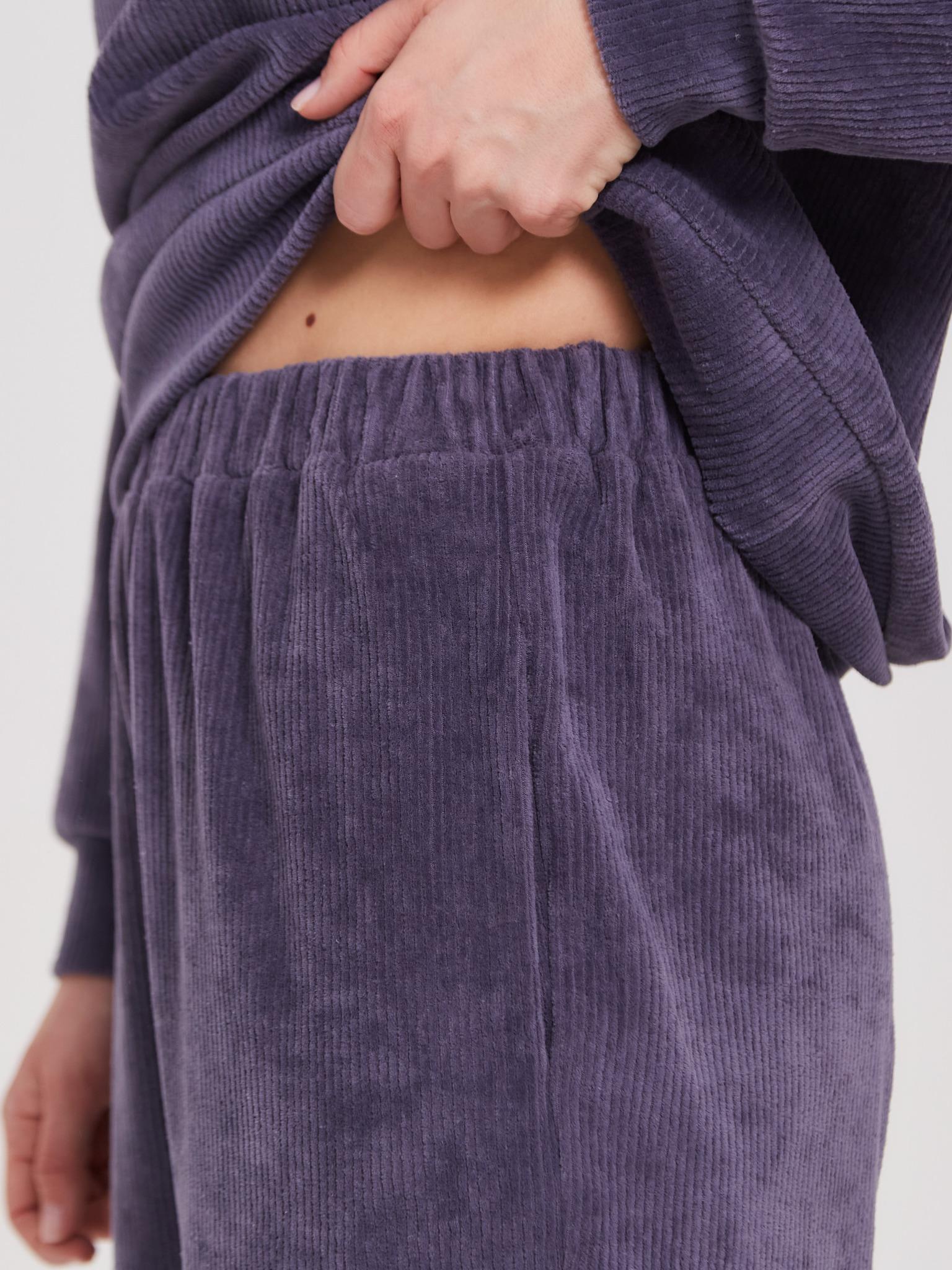 Женский костюм Brandmania из вельвета (свитшот, юбка, брюки)