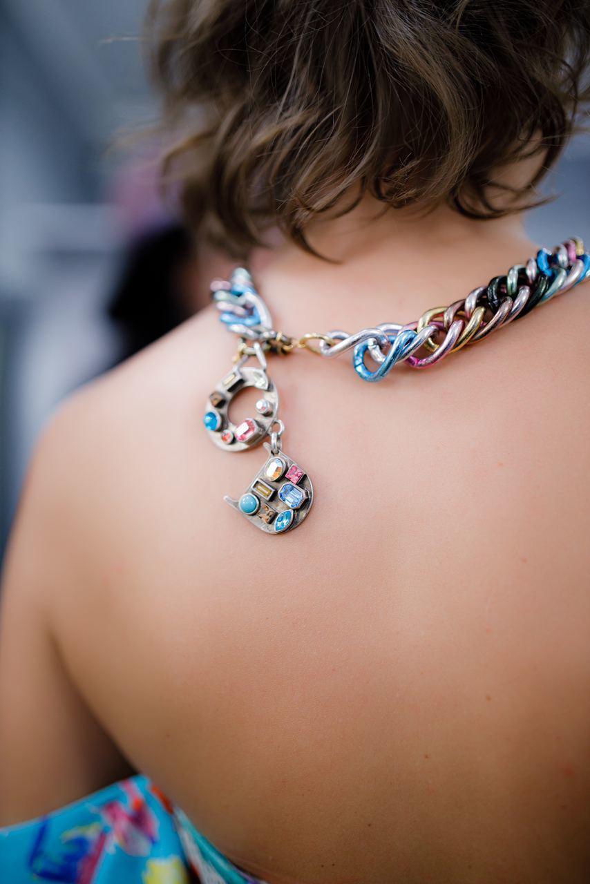 Крупная разноцветная цепь Dior с кристаллами 1990-е