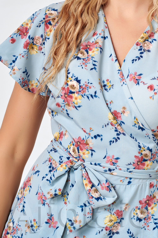 Нежное платье на запах с коротким рукавчиком