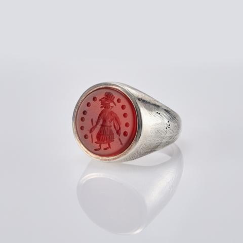LAB063 Кольцо-печатка с инталией 16.5 (сердолик, круг)