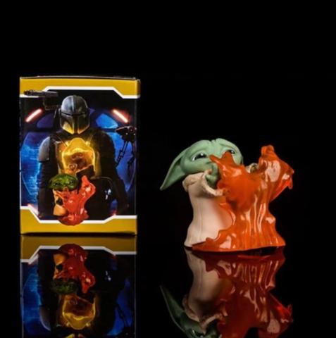 Фигурка Star Wars: The Mandalorian - Baby Yoda Stopping Fire
