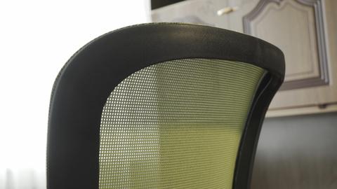 Стул ортопедический черно-зеленый DSP 1801J