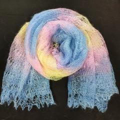 Пуховый палантин желто-голубого оттенка 24