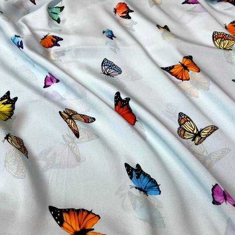 голубой шелк с бабочками фото