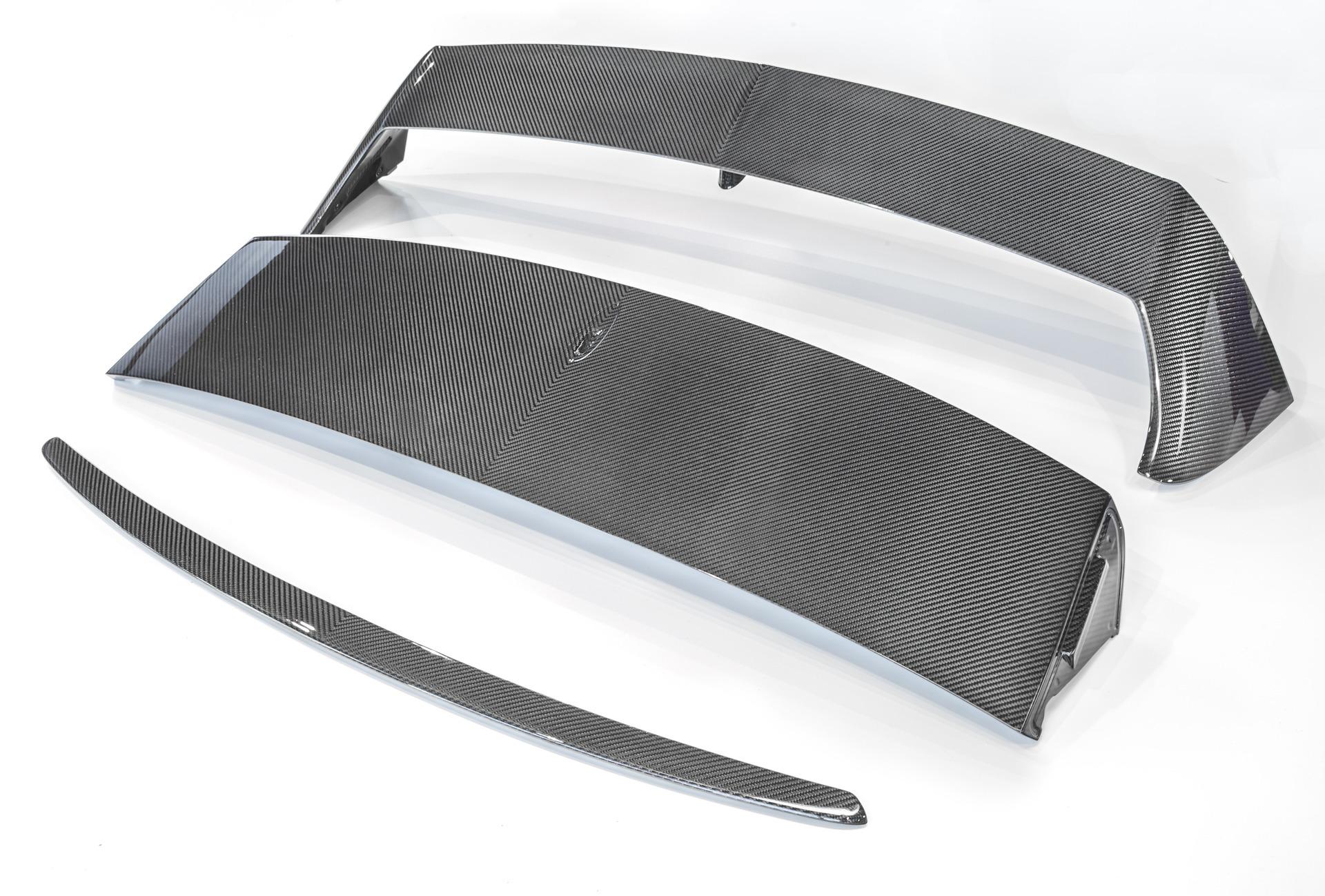 Карбоновый спойлер на багажник для Bentley Bentayga Копия
