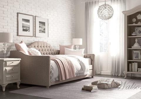 Односпальная интерьерная кровать Alexis