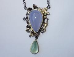 Ожерелье с халцедоном и пренитом, 46 см