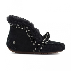 /collection/zhenskie-uggi/product/ugg-alena-rivets-bow-black