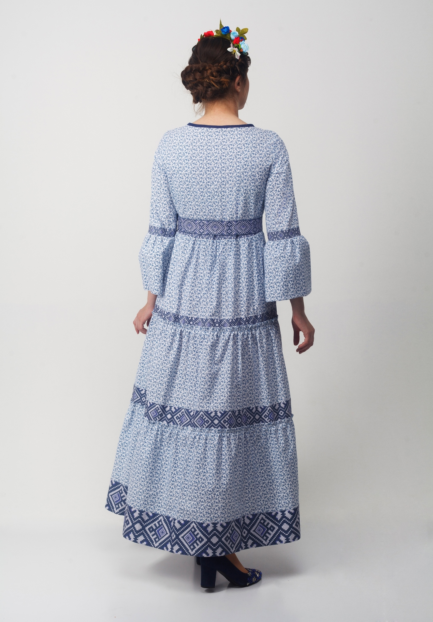 Платье Времена года Зима вид сзади