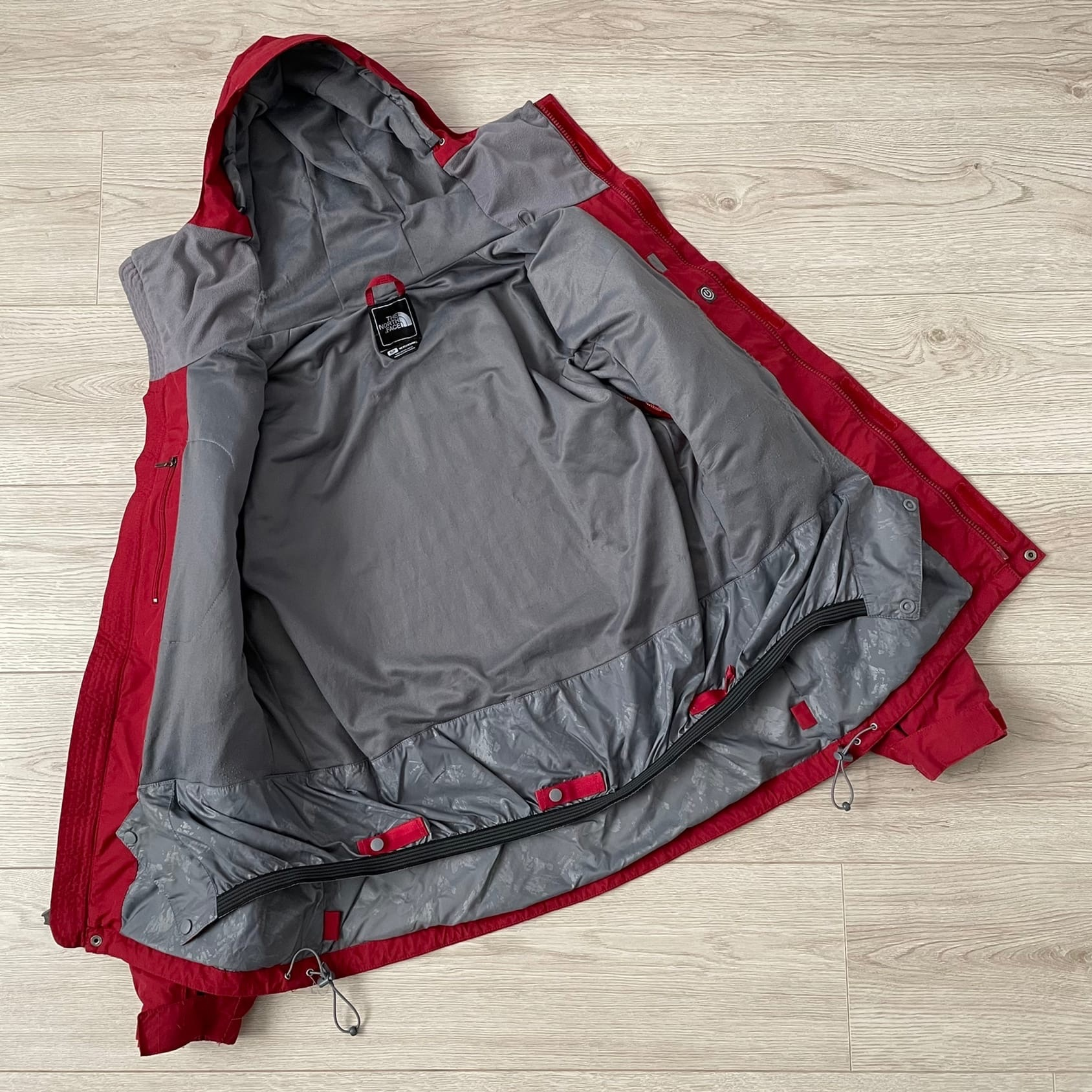 Куртка THE NORTH FACE HyVent