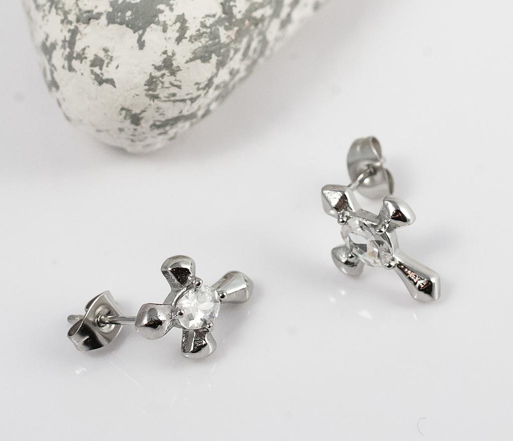 SSEM-121 Стальные сережки в виде крестов со вставкой камнем