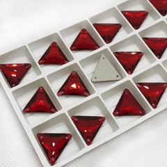Купите стразы Triangle Siam Треугольники красные для украшения нарядов для танцев