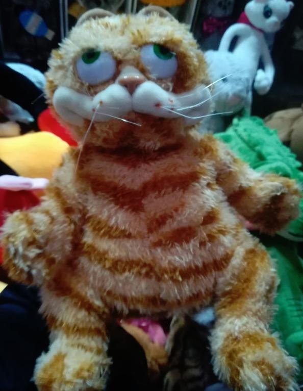 Плюшевая игрушка котик