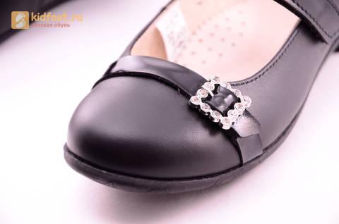 Туфли для девочек из натуральной кожи на липучке Лель (LEL), цвет черный. Изображение 17 из 20.
