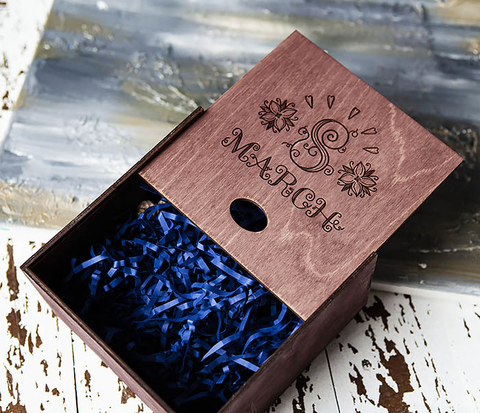 BOX220-3 Деревянная коробка для подарков «8 MARCH» (17*17*10 см) фото 04