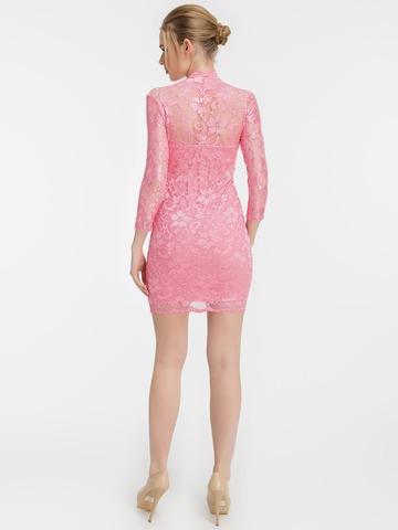 Розовое кружевное платье с V-образным вырезом 2