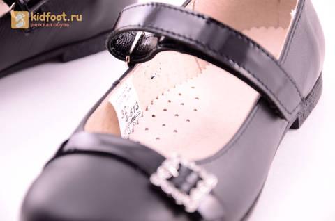Туфли для девочек из натуральной кожи на липучке Лель (LEL), цвет черный. Изображение 19 из 20.