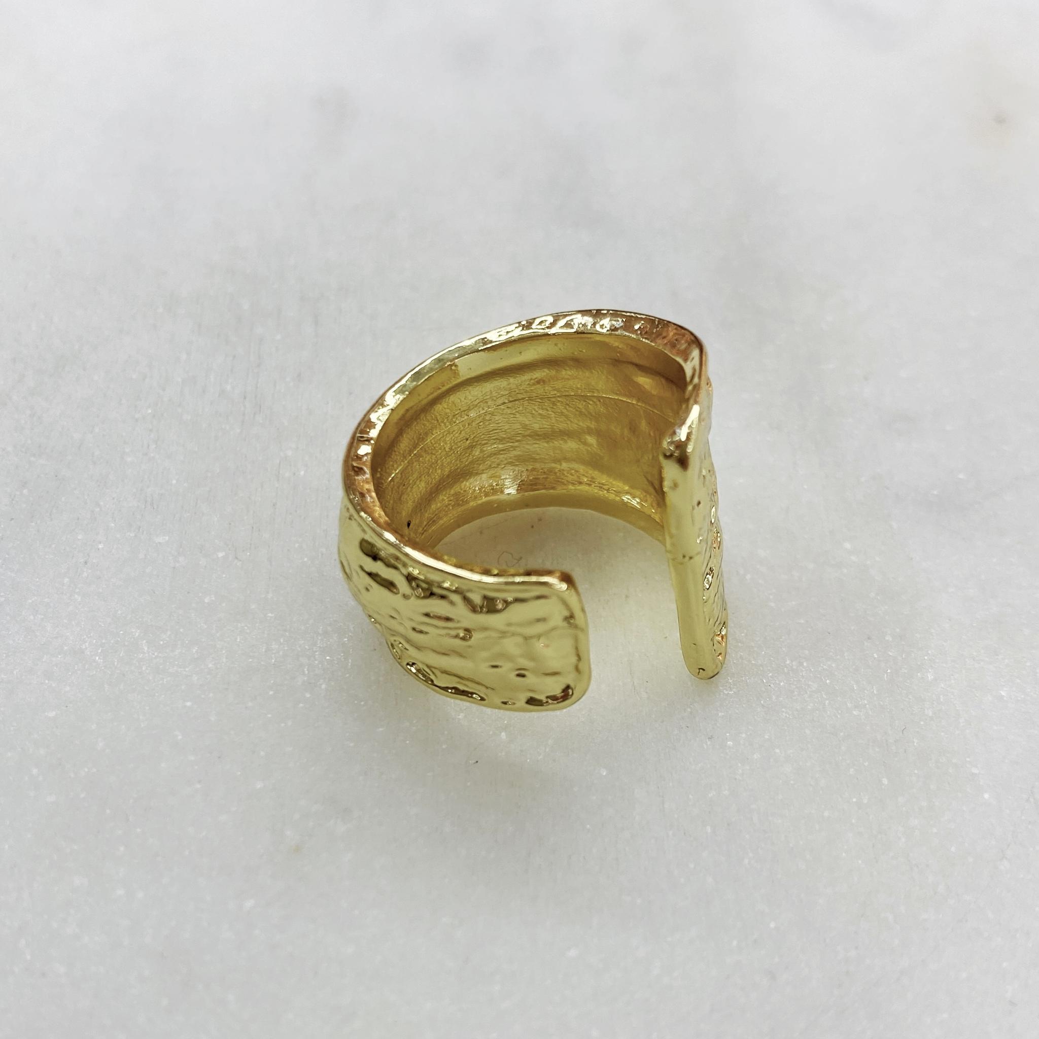 Кольцо фактурное мятое несомкнутое (золотистый)