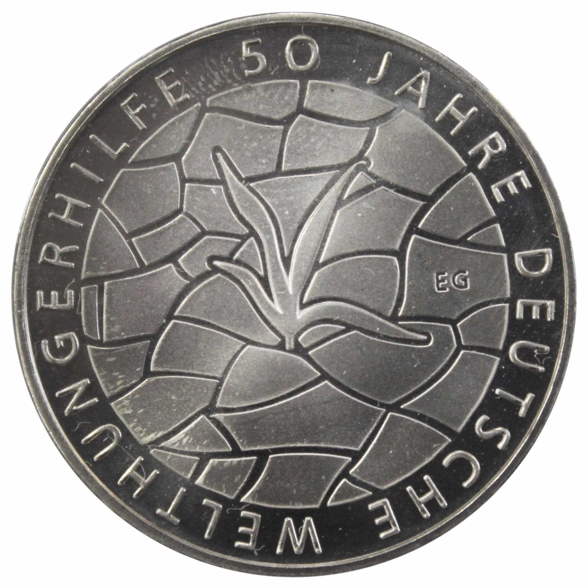 10 евро. 50 лет помощи голодающим. Германия. 2012 год. Медноникель