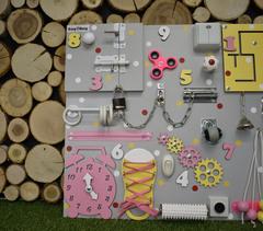 Бизиборд стандарт 50х65 см с ТВ-пультом Желто-Розовый для девочки