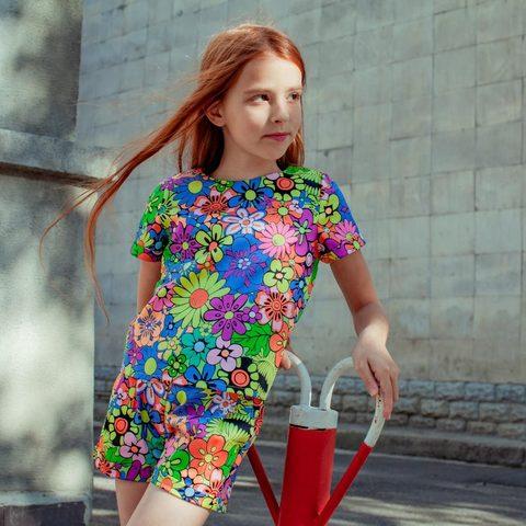 Дитячий костюм футболка і шорти для дівчинки з квітами