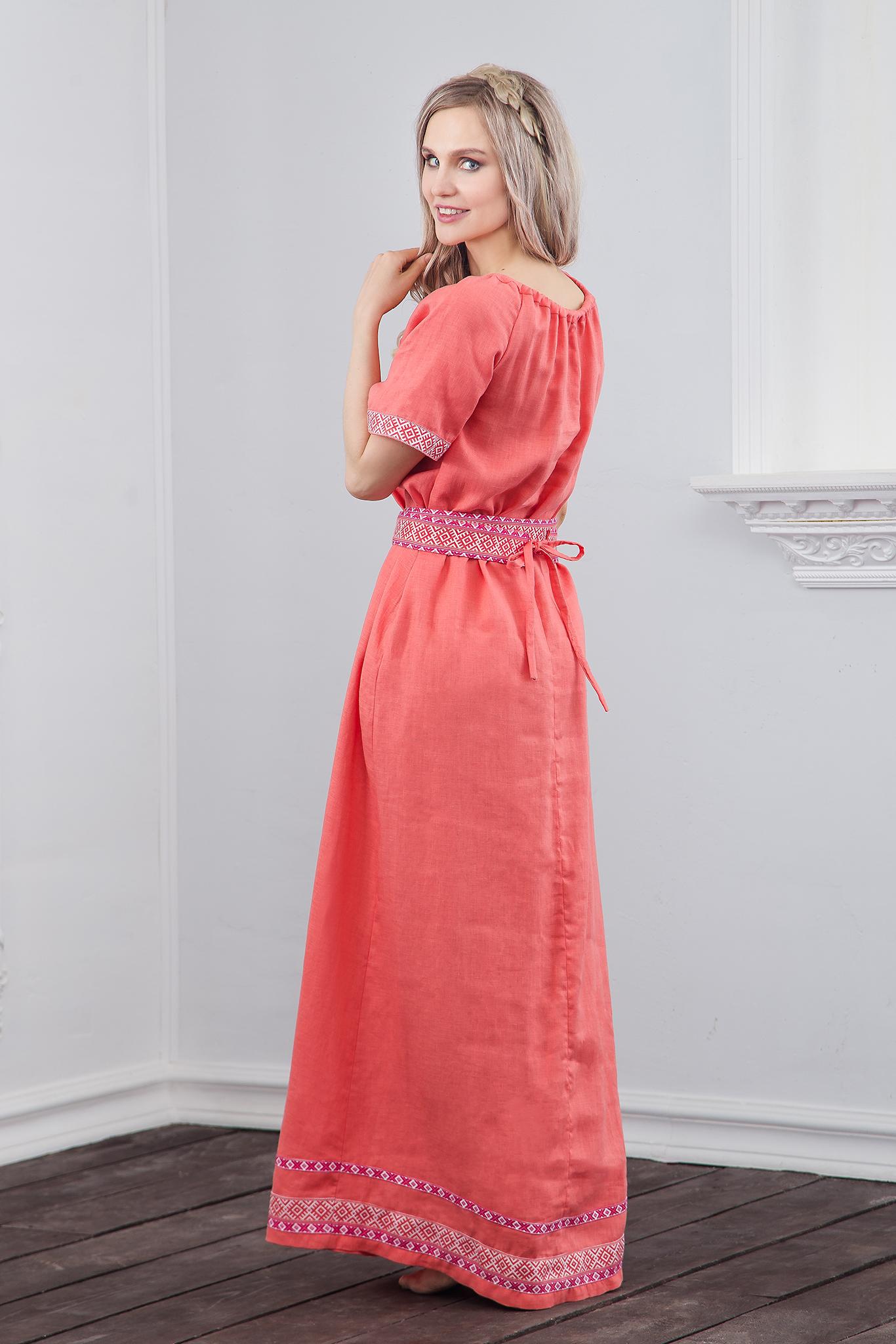 Льняное платье Сила младости вид сзади