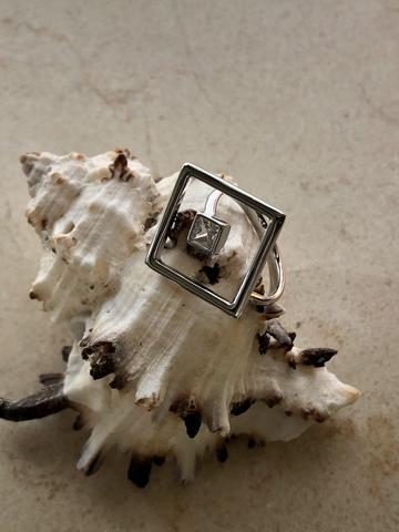 Кольцо Парнас, серебряный цвет