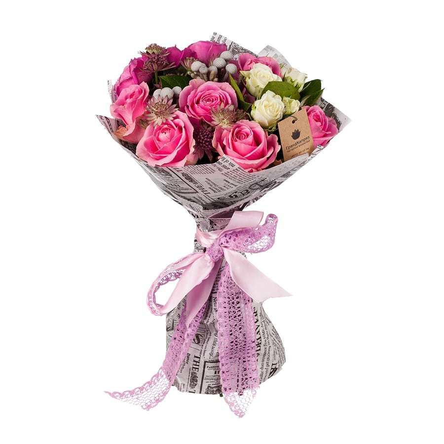 Букет из роз и бруний - Париж