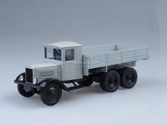 YaG-10 1931 first Soviet three-axle 6x4 truck 1:43 Nash Avtoprom