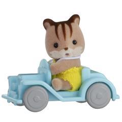 Набор «Игрушка младенец в пластиковом сундучке», малыш бельчонок на машинке Sylvanian families 5203