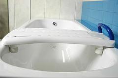 Сиденье для ванны со вспомогательной ручкой 10440