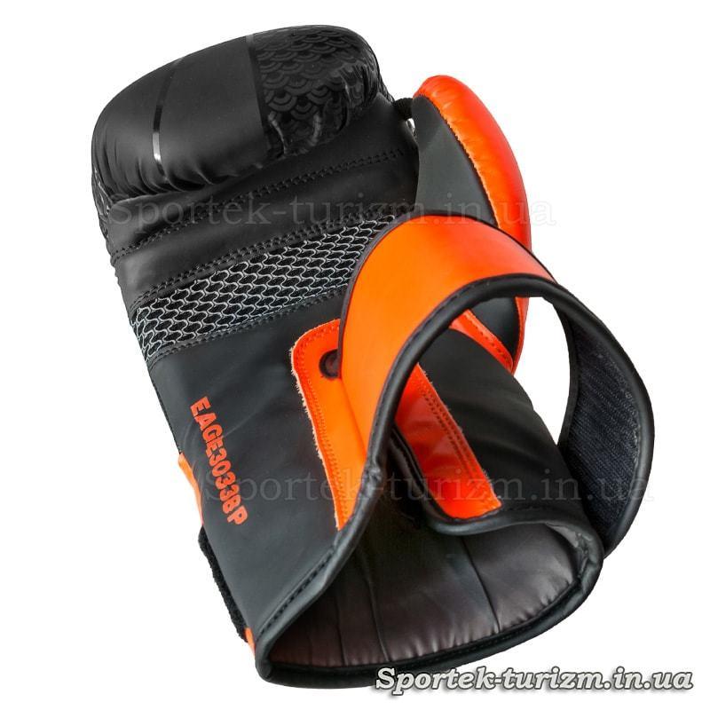 Вид з долоньки на боксерську рукавичку FGT, Flex, 10oz