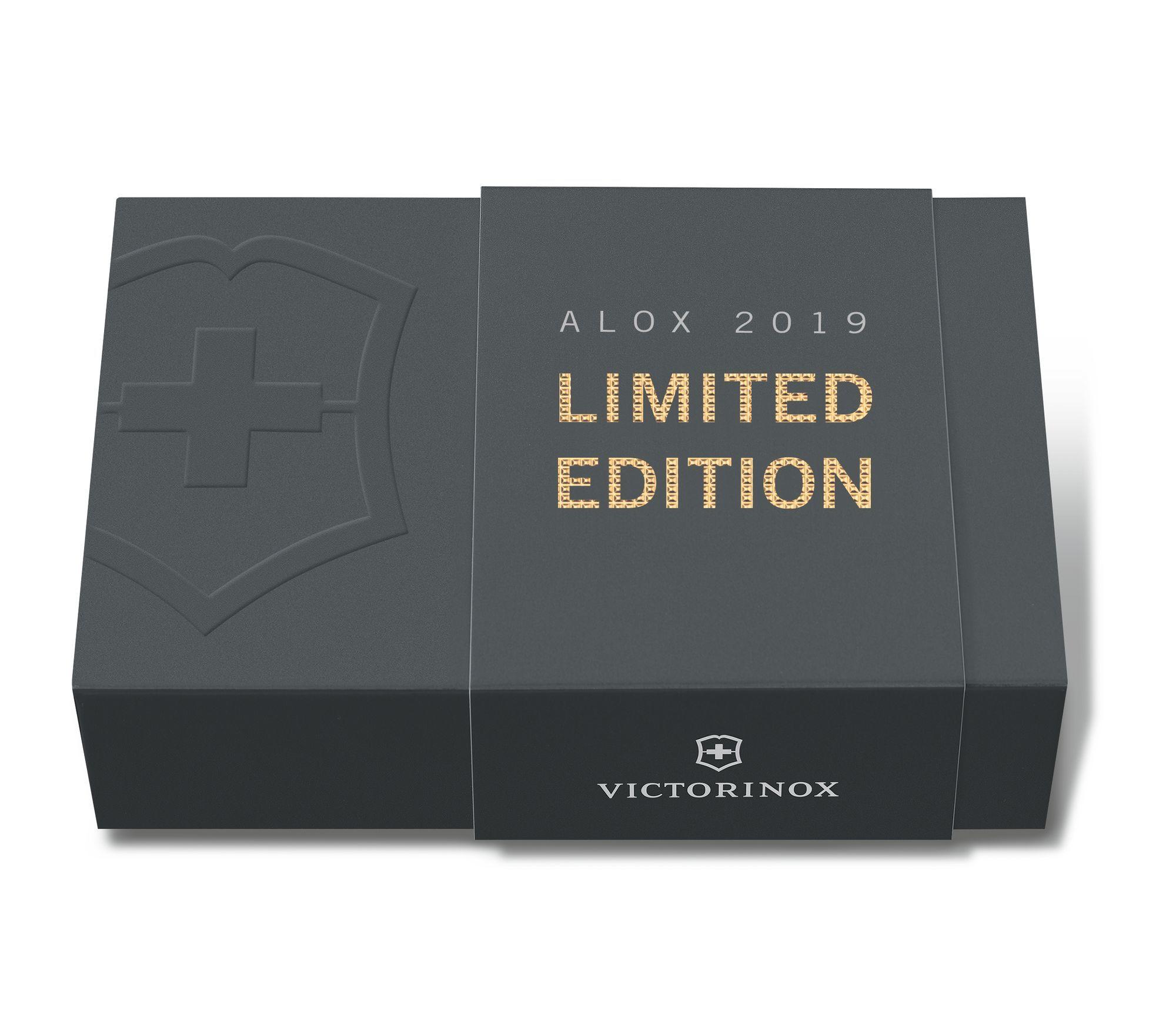 Складной нож Victorinox Pioneer Alox Champagne-Gold Limited Edition 2019 (0.8201.L19) лимитированное издание, подарочная упаковка - Wenger-Victorinox.Ru