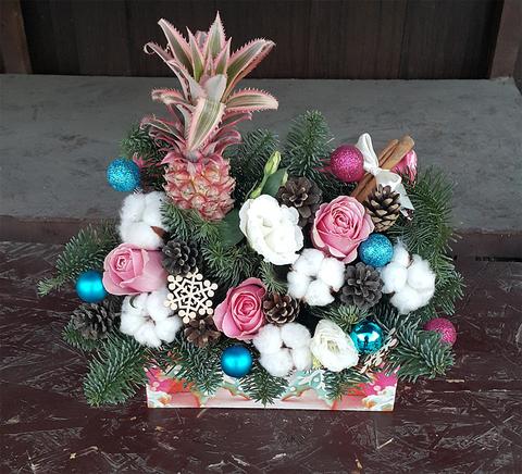 Ящик с цветами Новый Год 3