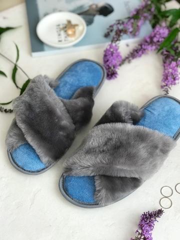 Меховые тапочки графитовые с перекрестными шлейками с текстильной стелькой голубой