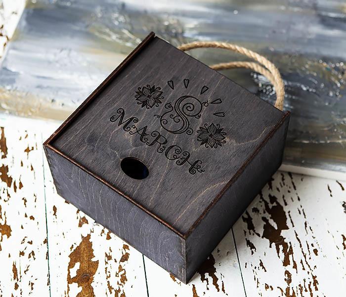 BOX220-1 Подарочная коробка на 8 марта черного цвета (17*17*10 см) фото 03