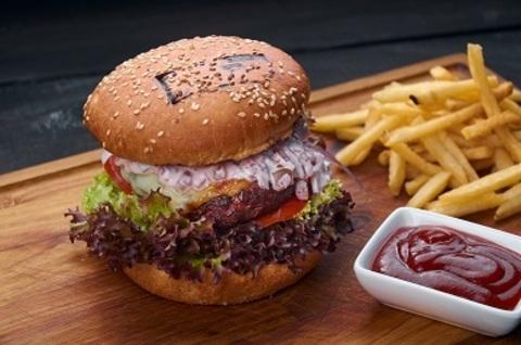 Бургер з котлетою з мармурової яловичини (250г)